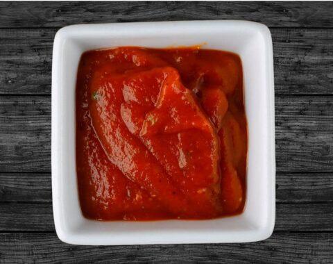 Красный томатный